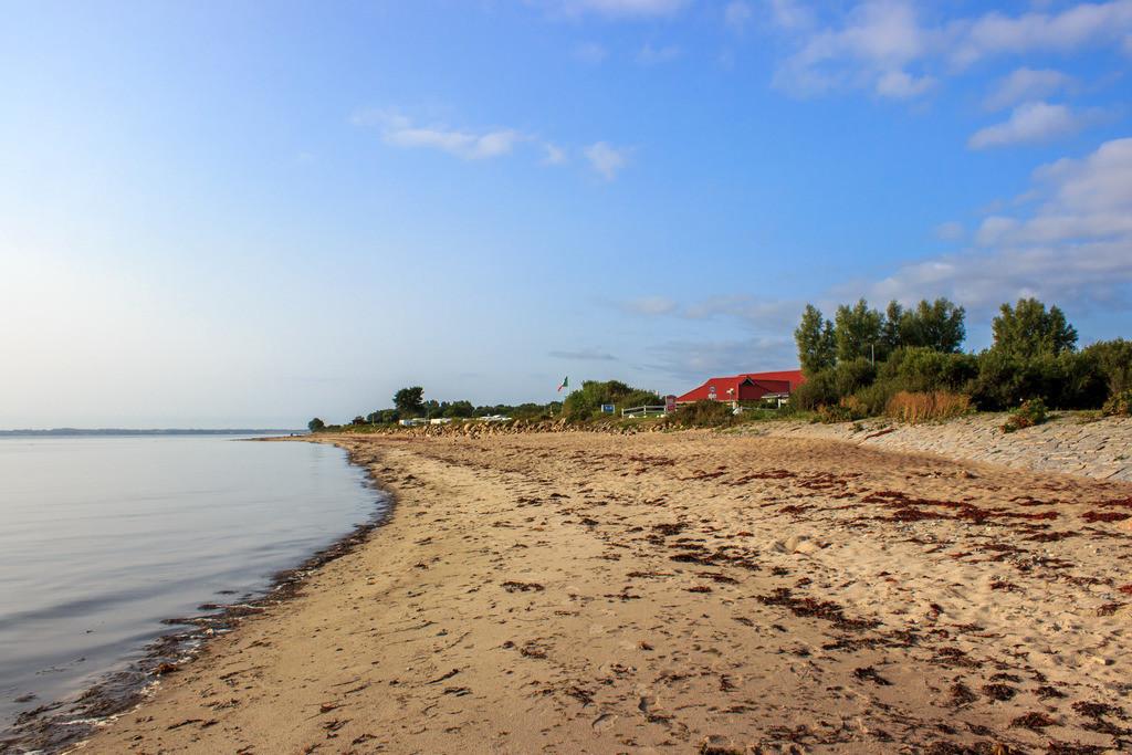 Strand in Booknis | Sandstrand in Booknis im Sommer
