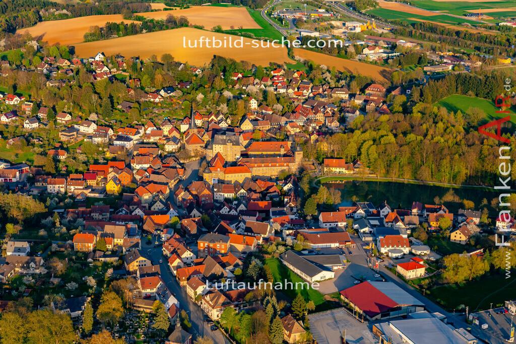 schloss-thurnau-18-206 | aktuelles Luftbild von Schloss Thurnau - Luftaufnahme wurde 2018 von https://frankenair.de mittels Flugzeug (keine Drohne) erstellt.