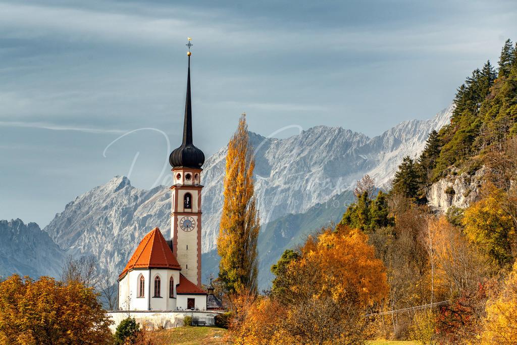 Leiblfing | Die Kirche von Leiblfing gilt als eine der schönsten Tirols