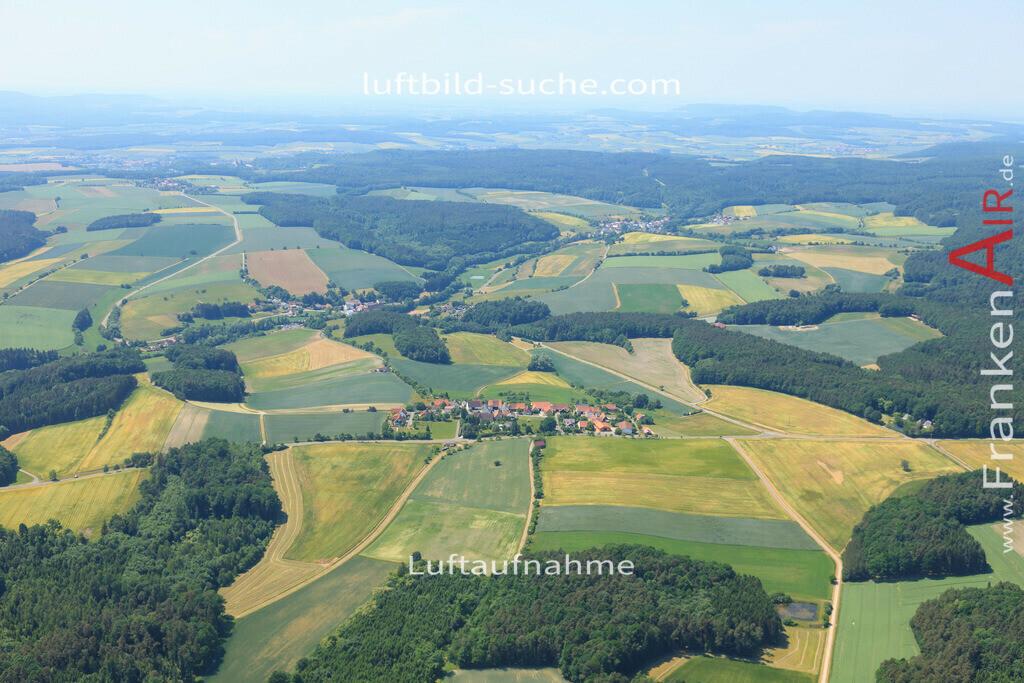 birkach-markt-taschendorf-2015-1385   Luftbild von Birkach Taschendorf - Luftaufnahme wurde 2015 von https://frankenair.de mittels Flugzeug (keine Drohne) erstellt - die Geschenkidee