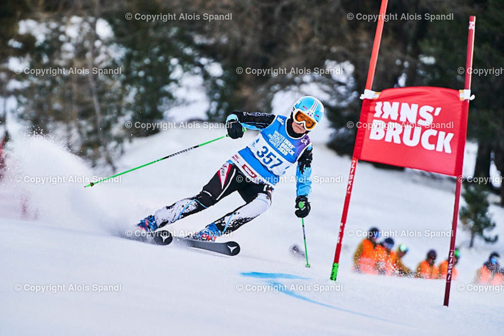 ALS5439_WWMG_GS-II_C   (C) FotoLois.com, Alois Spandl, WinterWorldMastersGames 2020 Innsbruck, Giant Slalom-II Gruppe C Damen, Patscherkofel Olympiaabfahrt, Mi 15. Jänner 2020.