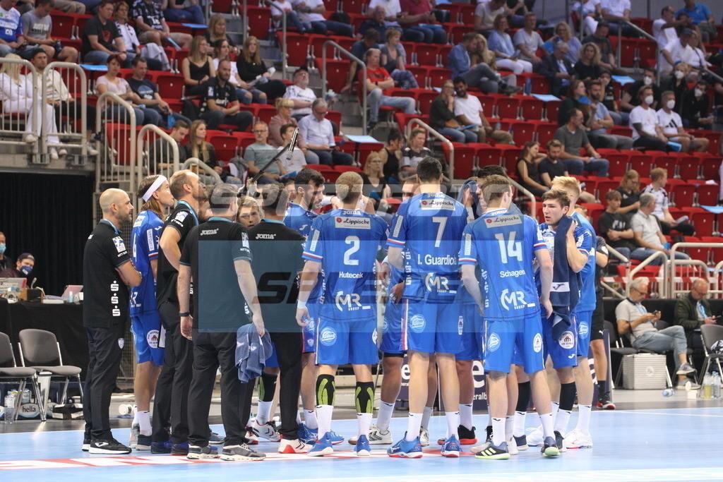 Handball Supercup | Auszeit Lemgo - © by K-Media-Sports / Sportfoto-Sale.de