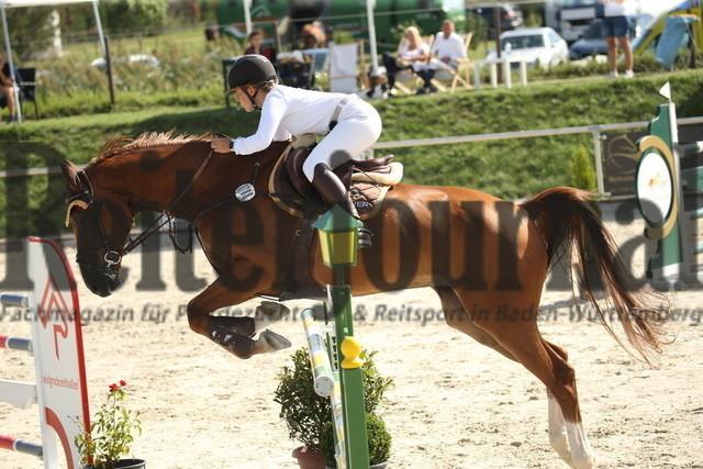 Durmersheim_2020_Amazonen-Springprfg_Kl.S_Lena Marie Lieser_Ut de B_Neville (7)