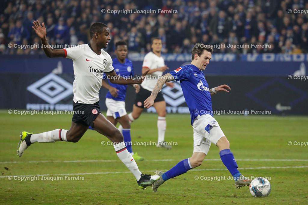 191215_schvssge_0066 | 15.12.2019 Fussball 1.Bundesliga, FC Schalke 04 - Eintracht Frankfurt  emspor  v.l.,  Evan Ndicka (Eintracht Frankfurt), Benito Raman (FC Schalke 04)   (DFL/DFB REGULATIONS PROHIBIT ANY USE OF PHOTOGRAPHS as IMAGE SEQUENCES and/or QUASI-VIDEO)