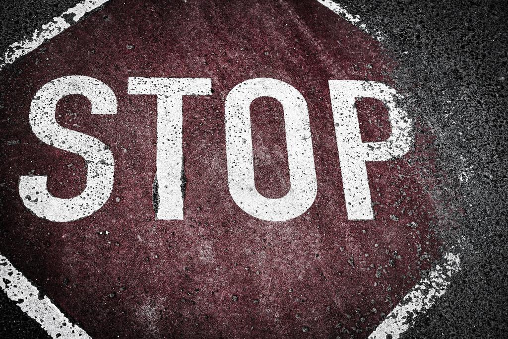 Stop groß