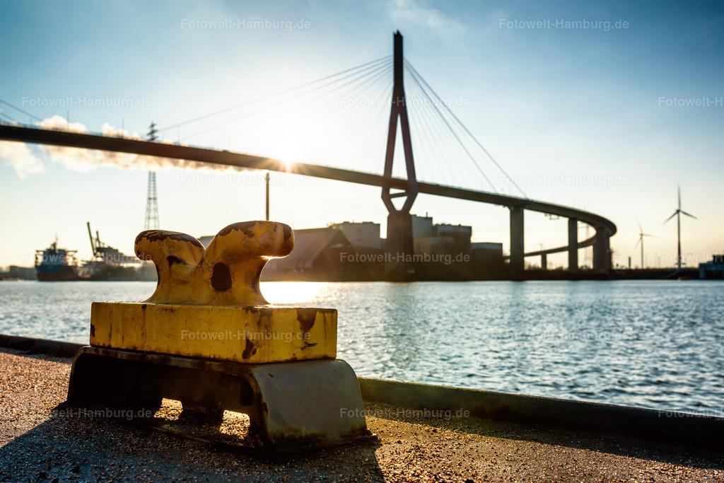 10200813 - Köhlbrandbrücke im Sonnenlicht | Eines unserer beliebtesten Schwarzweißmotive haben wir aufgrund zahlreicher Anfragen nun auch in einer farbigen Ausführung.