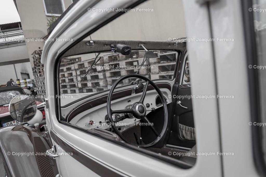 19020_clas_0015 | oeloka   8. Schmucker-Oldtimer Classics - dem Fest der alten Autos, betagten Motorräder und traumhaften Traktoren. oeloka, emonline, v.l.,8. Schmucker-Oldtimer Classics - dem Fest der alten Autos, betagten Motorräder und traumhaften Traktoren.  Foto:Joaquim Ferreira