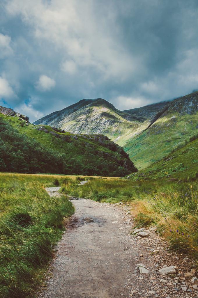 Highlands, Schottland | Weg zu Steall Falls, Nähe Ben Nevis, Nähe Loch Leven, Highlands, Schottland