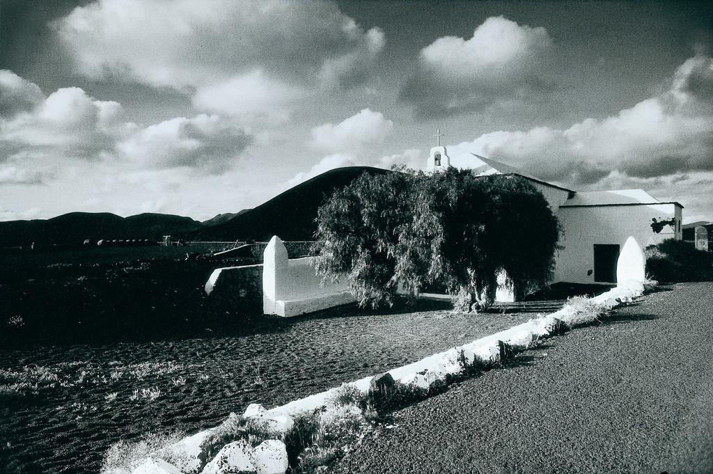 La Geria, Lanzarote | Kleine Kirche in La Geria, Lanzarote