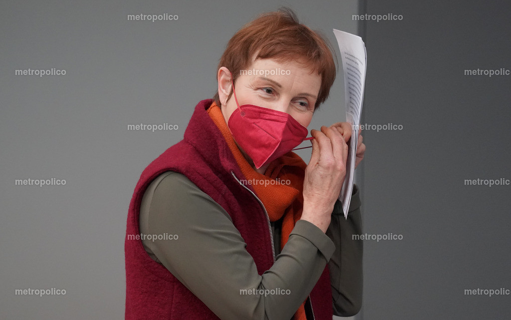 Sabine Leidig mit Maske (2)