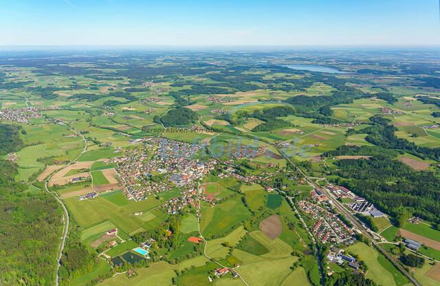 luftbild-teisendorf-bruno-kapeller-08 | Luftaufnahme von Teisendorf im Fruehling 2019