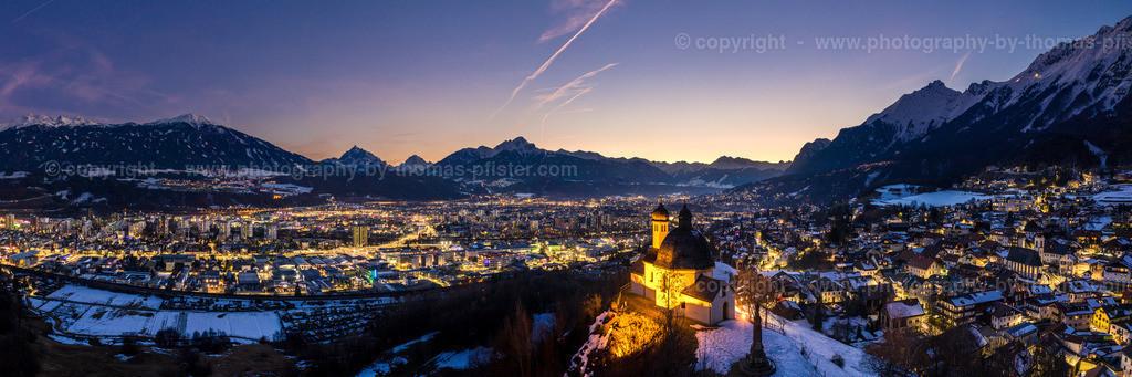 Innsbruck Blaue Stunde im Winter-1