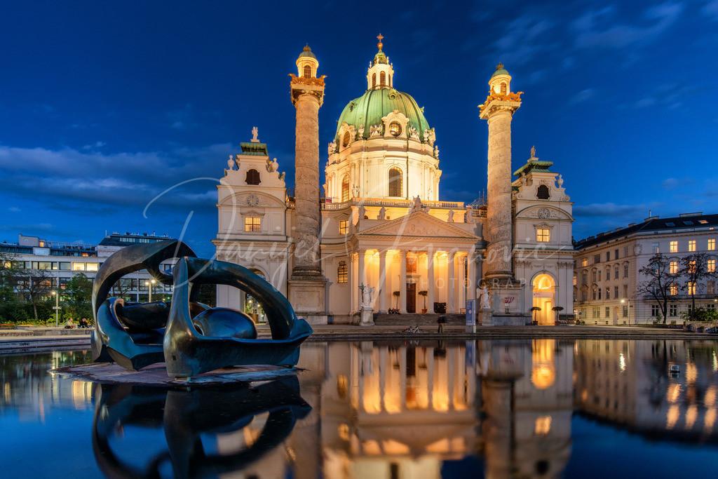 Karlskirche | Abend an der Karlskirche in Wien