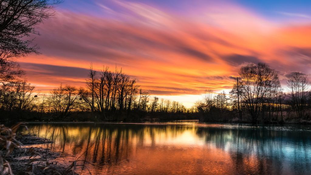 Sonnenuntergang an der Elz | Dramatisches Abendlicht am Flusslauf der Elz bei Schwanau-Wittenweier