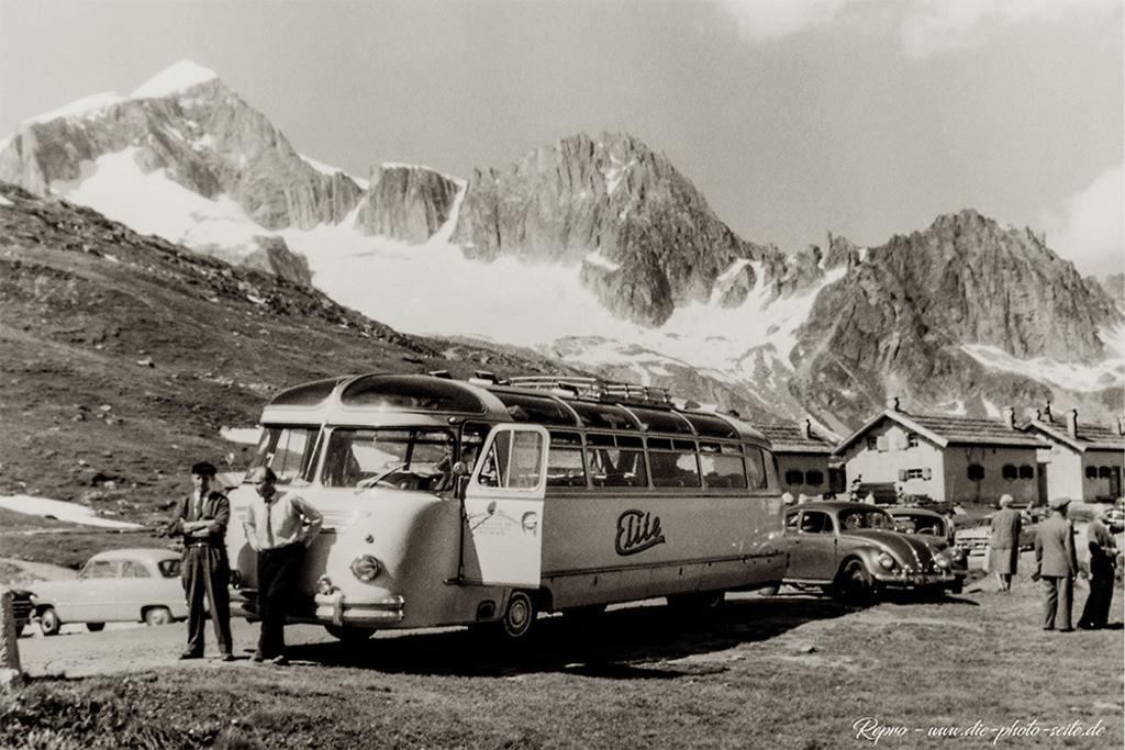 Elitebus auf dem Furkapass | Elitebus auf dem Furkapass in der Schweiz