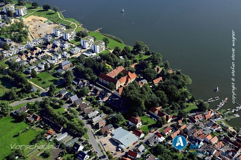 Luftbild Schleswig, Auf der Freiheit, St.Johanniskloster   Luftbild Schleswig, Auf der Freiheit, St.Johanniskloster • max. 6240 x 4160 pix