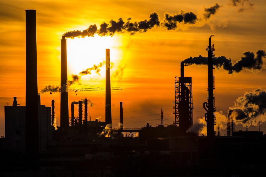JT-130211-506 | Industrieanlagen der Sachtleben Chemie Gmbh, in Duisburg-Homberg. Hersteller von Spezialchemie, Schwerpunkt ist die Herstellung weißer Pigmente und Füllstoffe. Am Rhein gelegen. Duisburg, NRW  Deutschland, Europa.