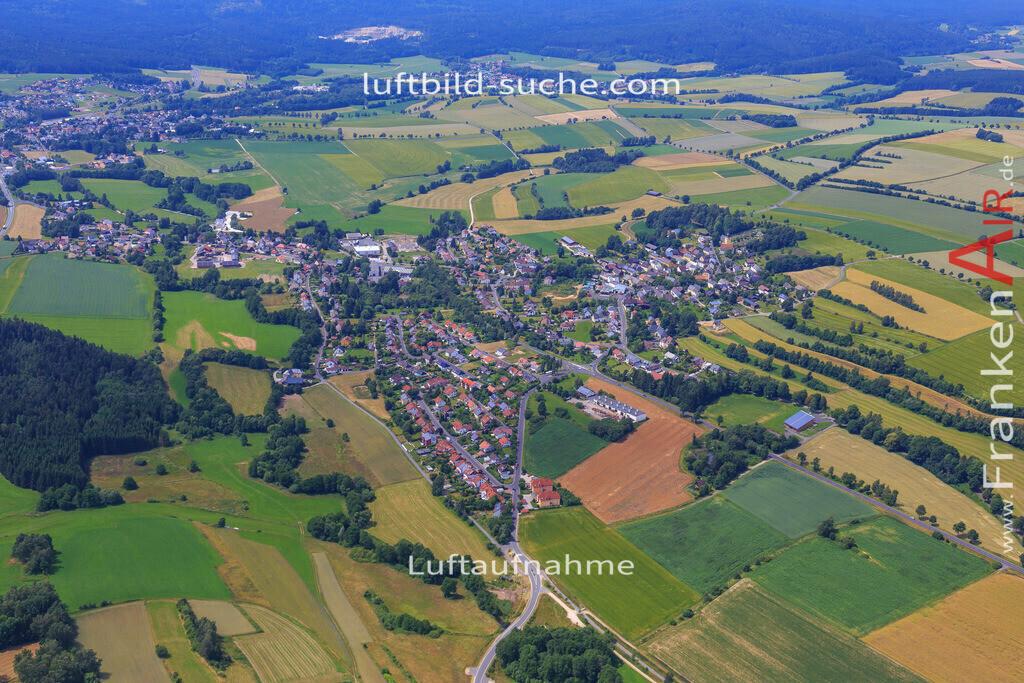 schoenbrunn-wunsiedel-2016-237 | Luftbild von Schoenbrunn Wunsiedel - Luftaufnahme wurde 2016 von https://frankenair.de mittels Flugzeug (keine Drohne) erstellt - die Geschenkidee