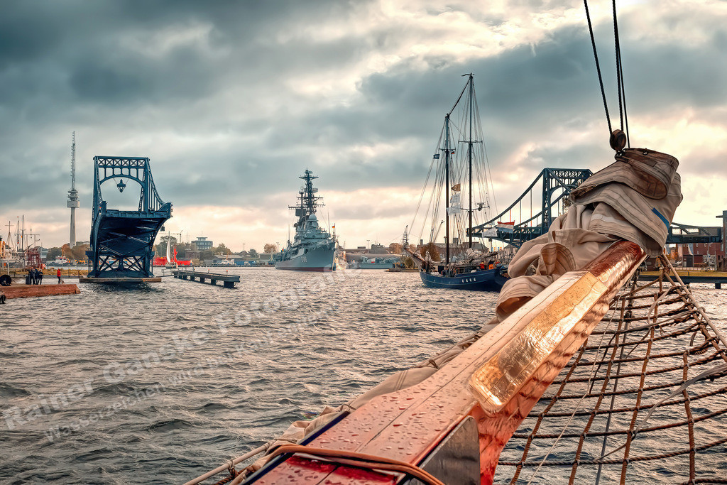 20190928-Großsegler verlaesst den Hafen 77