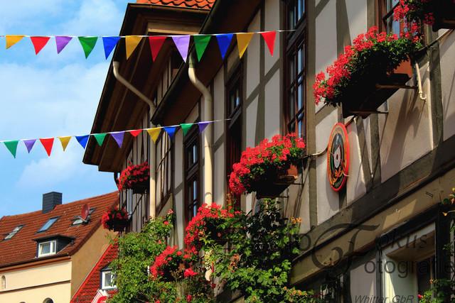 Straßenfest | Keßlerstraße geschmückt mit Wimpelgirlande