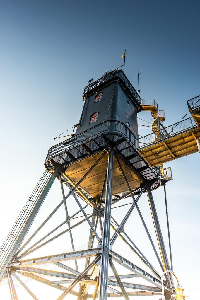 20210317-Leuchtturm Obereversand Dorum von unten Tag 17 März 2021 _2 Kopie