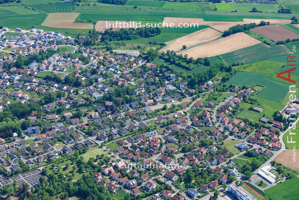 bischberg-18-341 | aktuelles Luftbild von  Bischberg - Luftaufnahme wurde 2018 von https://frankenair.de mittels Flugzeug (keine Drohne) erstellt.