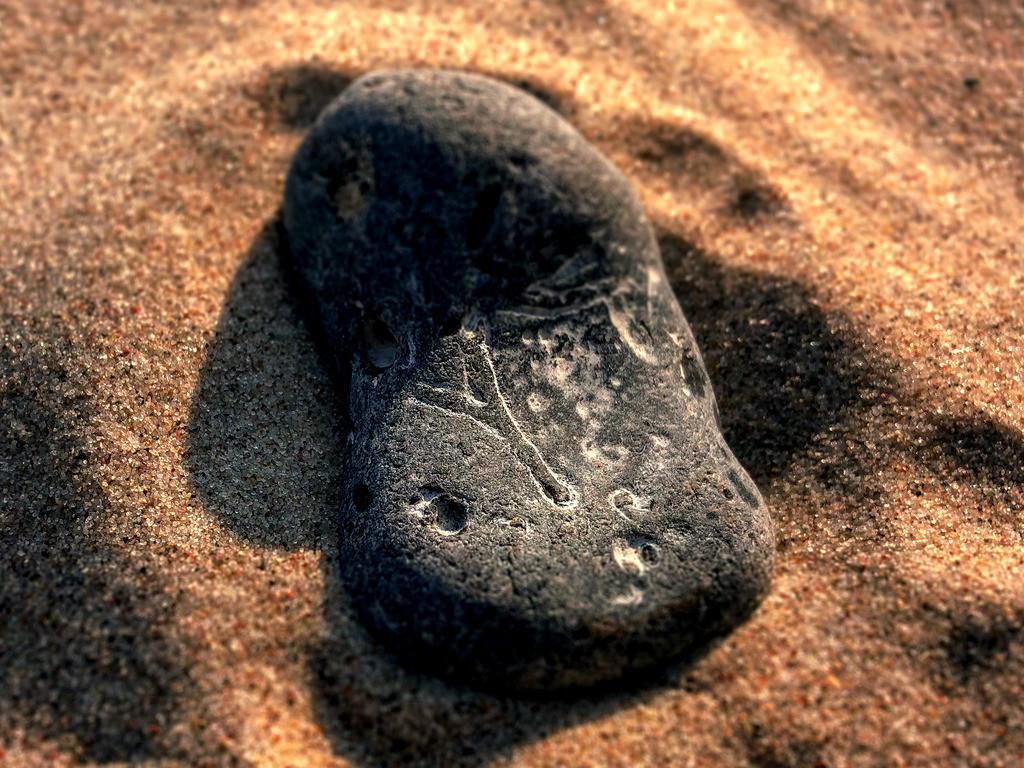 Magic Ypsilon   Im Ostseestrand einen Stein zu finden, der deutlich ein