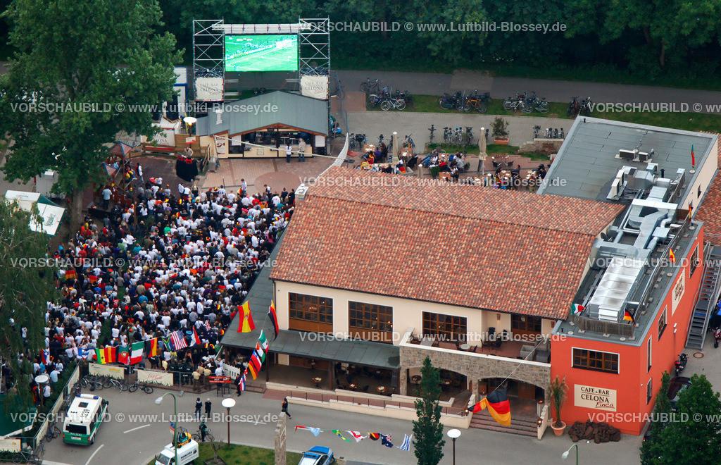ES100612100079_PV   Public Viewing Auftackspiel Deutschland - Australien 4:0 WM 2010,  Essen, Ruhrgebiet, Nordrhein-Westfalen, Germany, Europa, Foto: hans@blossey.eu, 13.06.2010