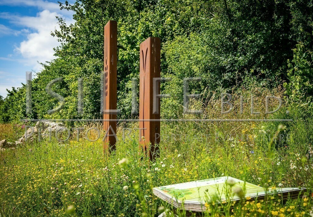 Naturschutzgebiet Doost | Infotafel mit Skulpturen