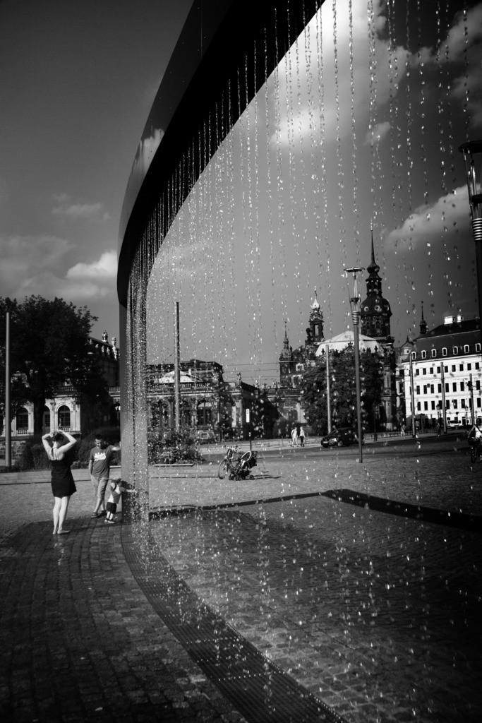Dresden Wasservorhang Postplatz | Aus der Serie