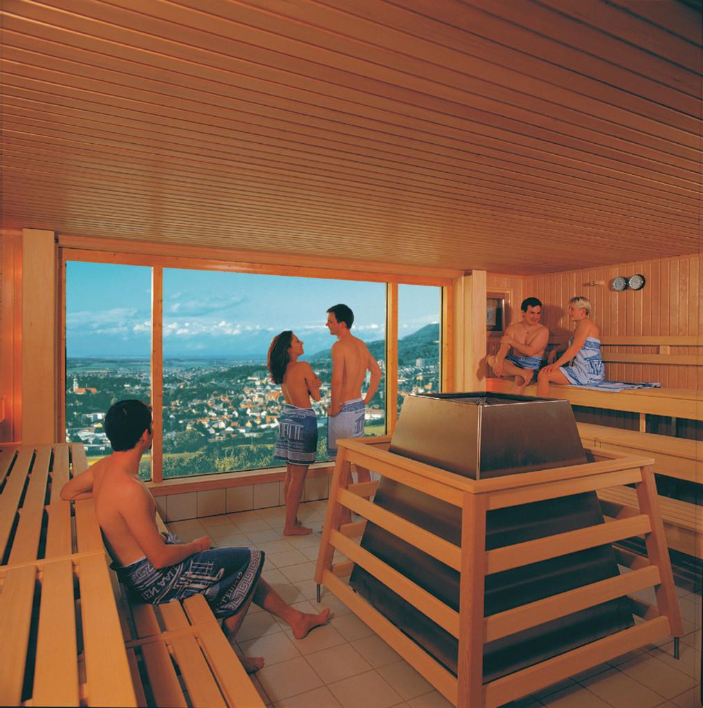 panorama-sauna-hplus-hotel-aalen
