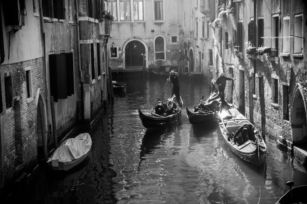 Gondola Gondola