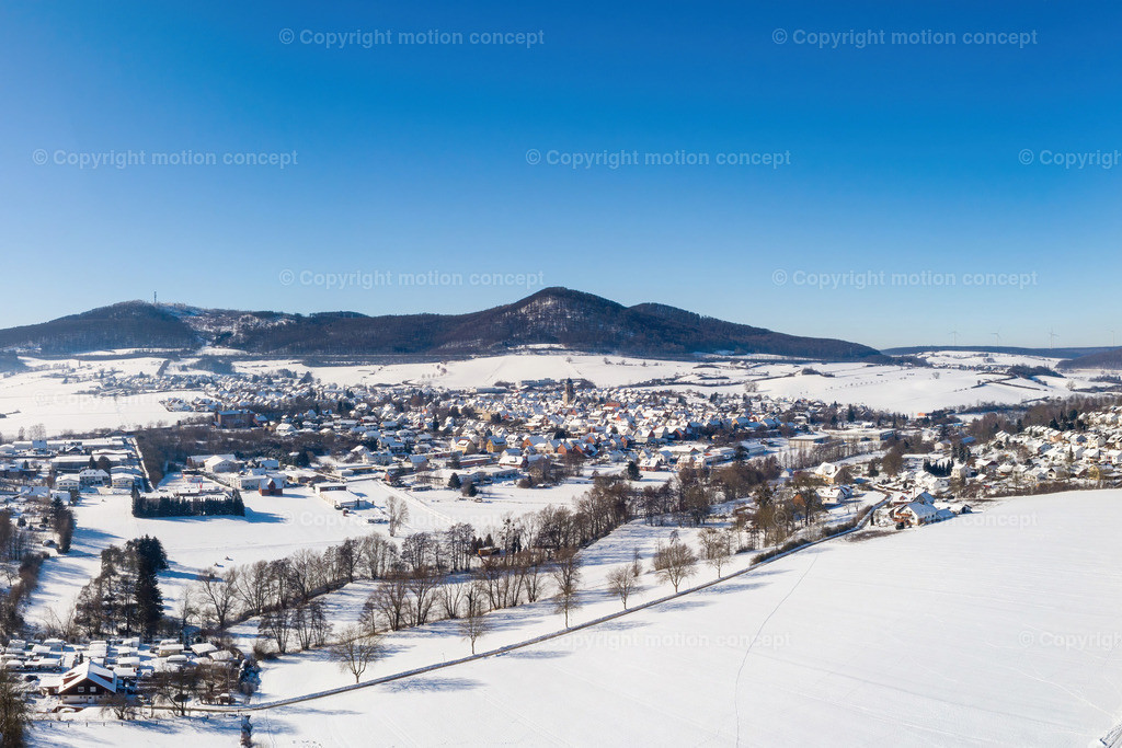 Panorama_Zierenberg vom Dörnberg_3zu2a
