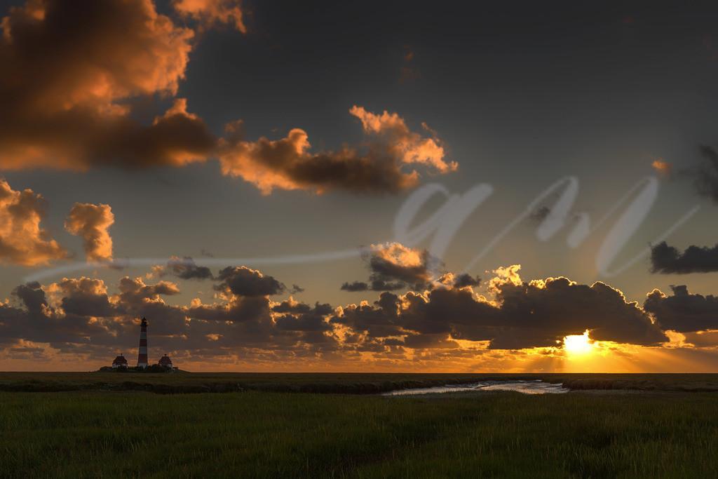 Wolkenspiel und Sonnenuntergang in Westerhever | Tolle Farben über den Salzwiesen