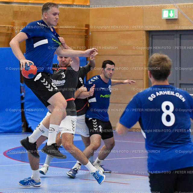 Darmstadt Handball Bezirksoberliga SGA Darmstadt - Erfelden 20190921 - copyright by HEN-FOTO | Darmstadt Handball Bezirksoberliga SGA Darmstadt - Erfelden (28:25) 20190921 li Henrik Reißer (SGA) wird von 18 Lukas Nold (E) gehalten - copyright by HEN-FOTO Foto: Peter Henrich