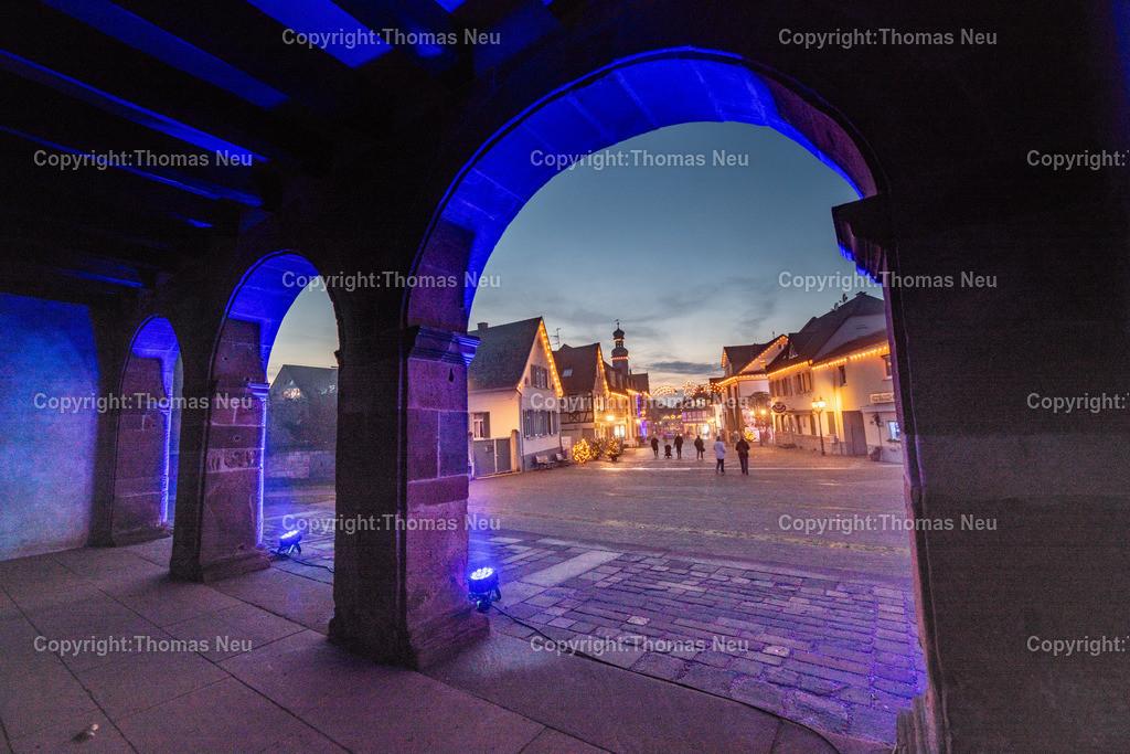 DSC_3852   ble,Lorsch, blaues Weihnachtswunder, Innenstadt, ,, Bild: Thomas Neu