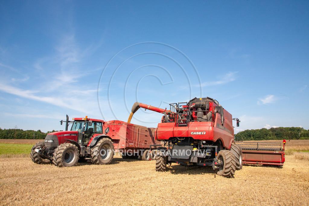 20110804_0400 | Mähdrescher bei der Weizenernte