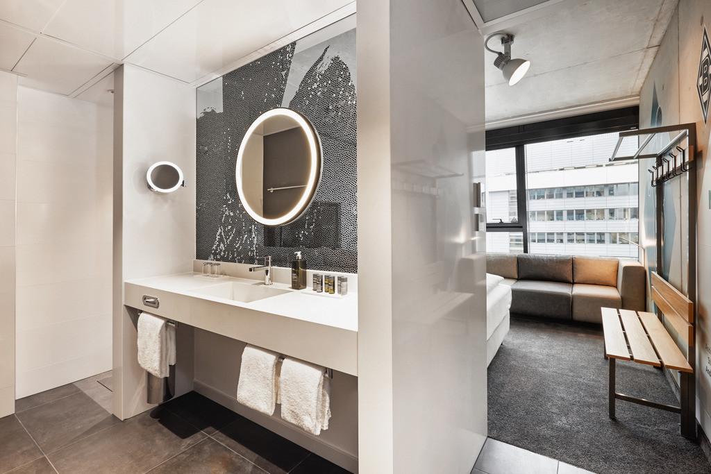 zimmer-komfortzimmer-bad-02-h4-hotel-moenchengladbach