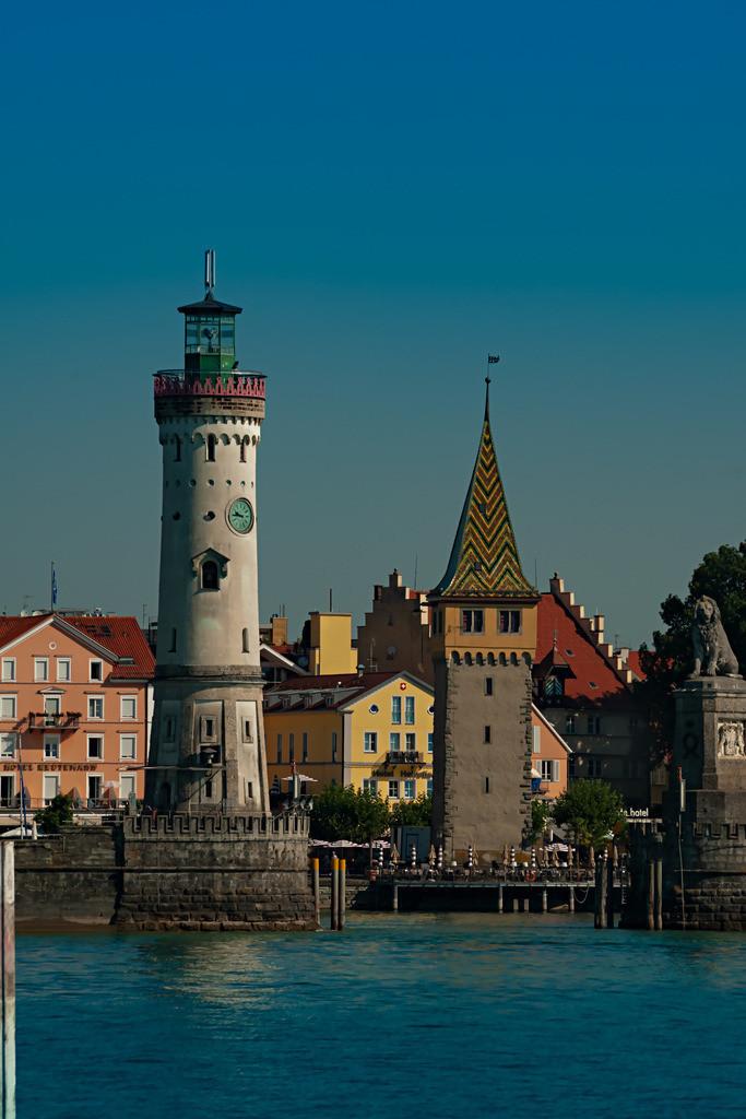 Hafeneinfahrt-Lindau-Tag