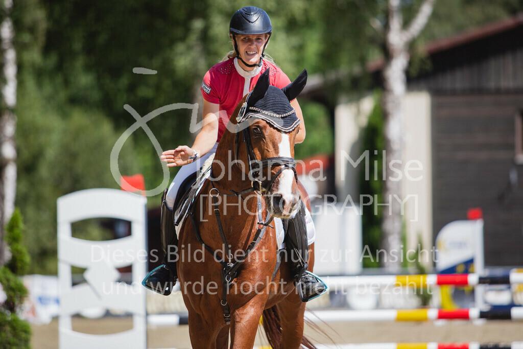 200819_Delbrück_Sprpf-A_2_1-253 | Delbrück Masters 2020 Springpferdeprüfung Kl. A** 4-6jährige Pferde