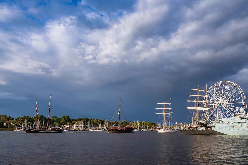 rk_06189 | Segelschiffe auf der Hanse Sail in Rostock.