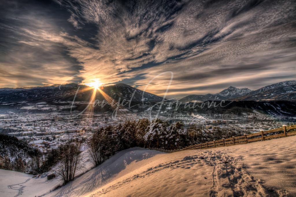 Sonnenaufgang über Innsbruck | Sonnenaufgang über dem tief winterlichen Innsbruck