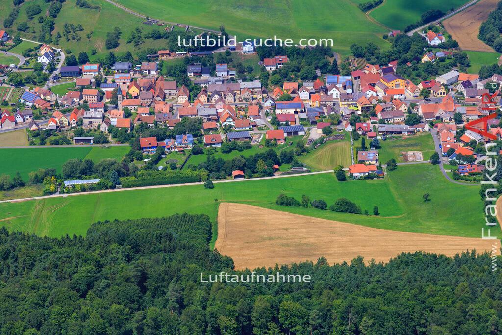 luftaufnahme-oberscheinfeld-17-4897   Luftbild von  Oberscheinfeld - Luftaufnahme wurde 2017 von https://frankenair.de mittels Flugzeug (keine Drohne) erstellt - die Geschenkidee