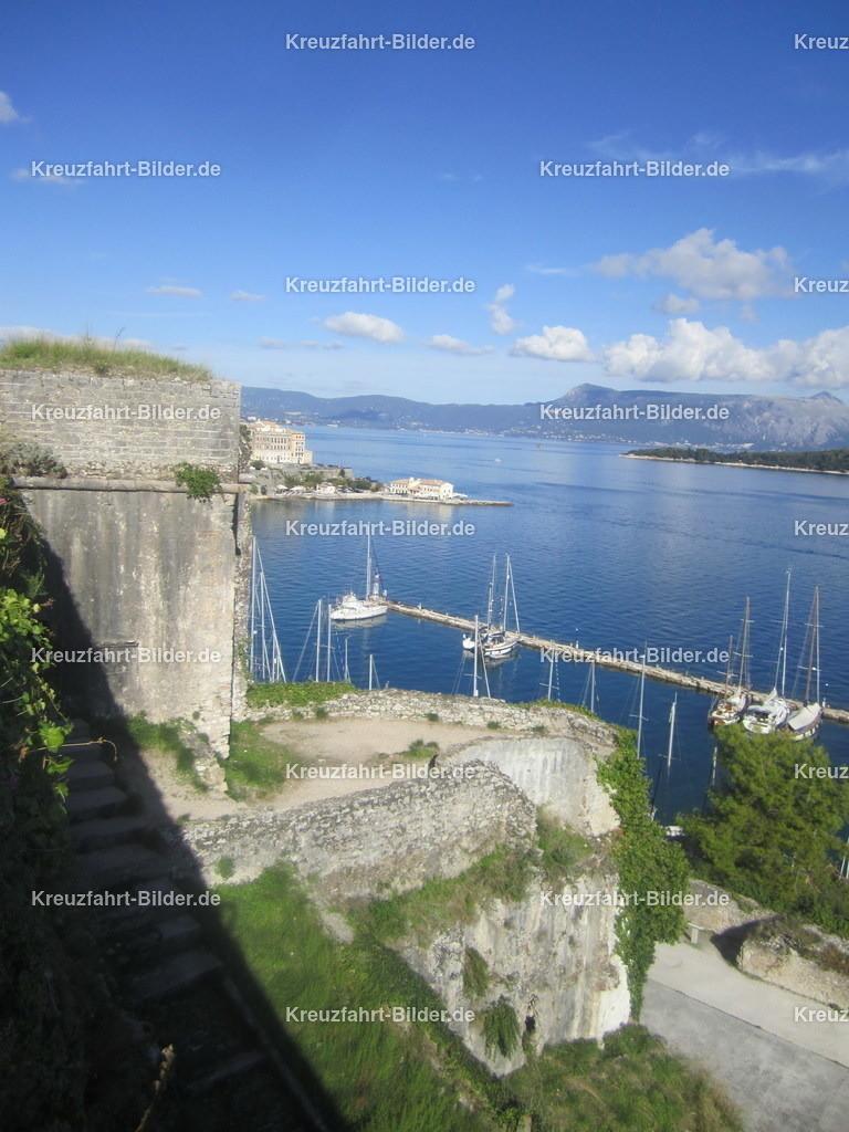 Korfu II | Blick von der alten venezianischen Festung auf Korfu in Richtung Meer