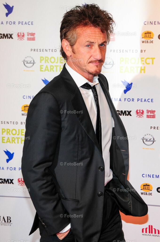 2011 Cinema for Peace | Sean Penn