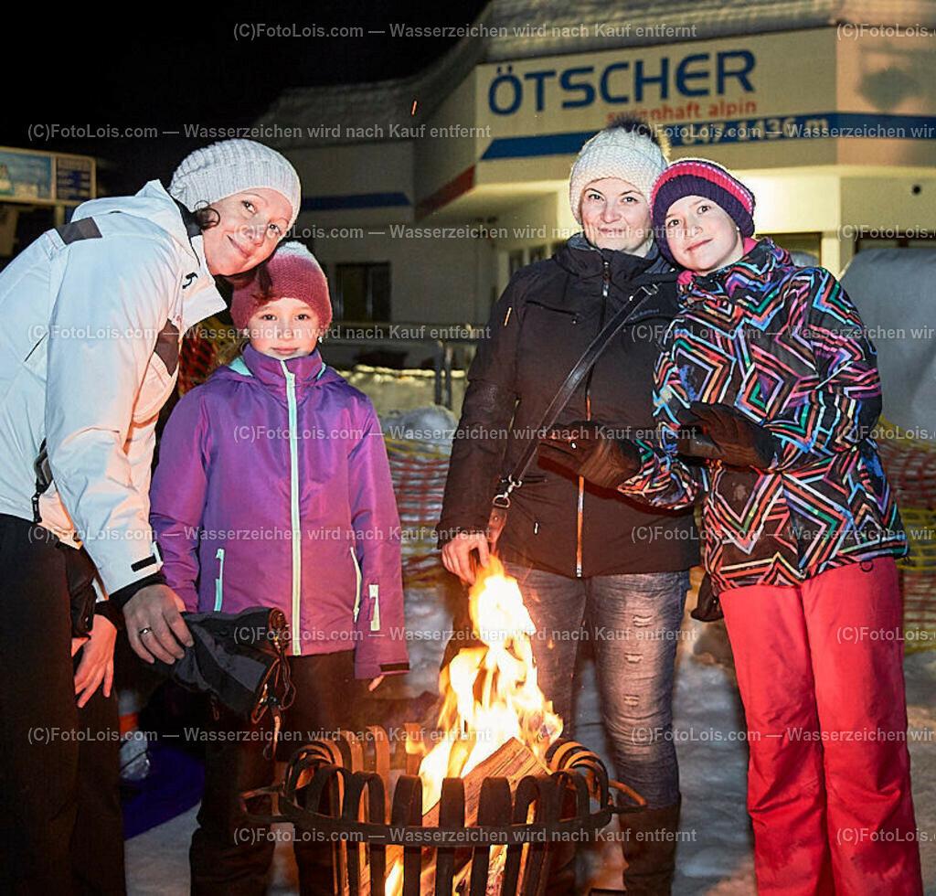 185_FIRE-ICE_Lackenhof | (C) FotoLois.com, Alois Spandl, FIRE & ICE in Lackenhof bei der Schirmbar im Weitental mit der Liveband àlaSKA, Feuershow von FEUERMATRIX, feurige Kulinarik, Pistenraupentaxi und dem großen Abschlussfeuerwerk zum Beginn der Semesterferien, Sa 2. Februar 2019.