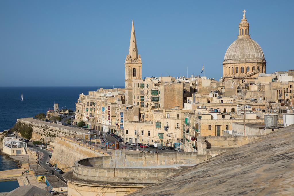 JT-170510-229 | Skyline von Valetta, der Hauptstadt von Malta, Kuppel der Karmeliter Kirche und Kirchturm der St. Paul's Anglican Pro-Cathedral Kirche,