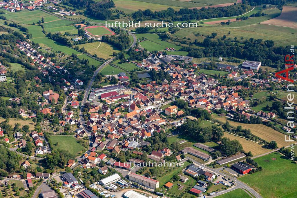 burghaslach-19-780   aktuelles Luftbild von  Burghaslach - Luftaufnahme wurde 2019 von https://frankenair.de mittels Flugzeug (keine Drohne) erstellt.