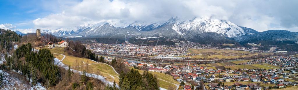 Telfs | Panorama von Telfs mit Burgruine Hörtenberg, Pfaffenhofen und Oberhofen