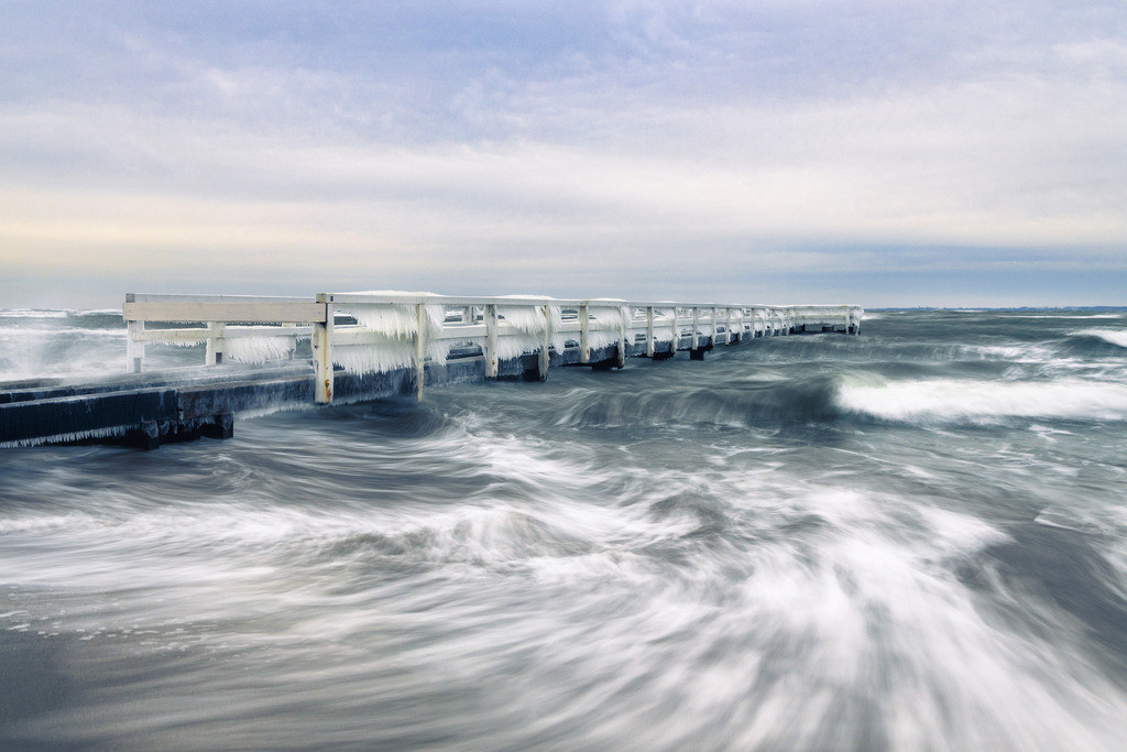 Wind Chill | Eisiger Morgen an der kleinen Seebrücke Grömitz